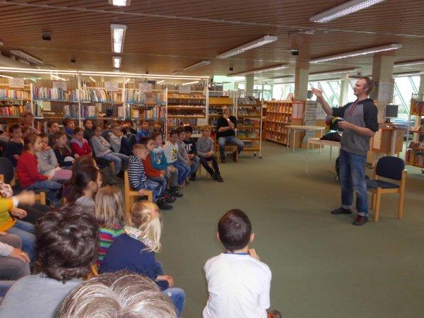 lesung-in-der-stadtbibliothek-dsci1090