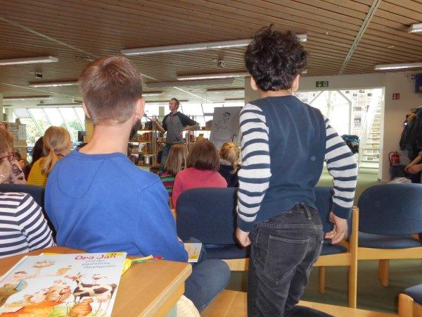 lesung-in-der-stadtbibliothek-dsci1093