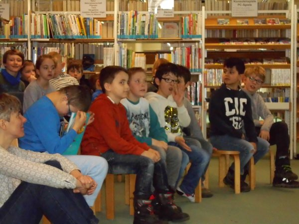 lesung-in-der-stadtbibliothek-dsci1097